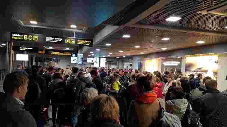 В аеропорту Риги 20 українців не потрапили на літак до Києва через колапс на пункті контролю