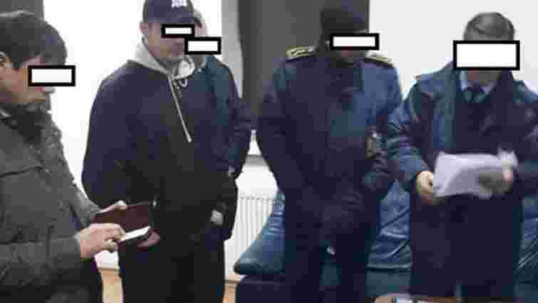 ДБР провело масові обшуки у кабінетах та квартирах львівських митників