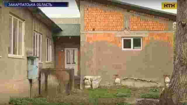 На шкільний туалет у селі на Закарпатті витратили майже 1 млн грн, але цього не вистачило