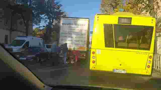 На вул. Личаківській у Львові автомобіль на смерть збив жінку