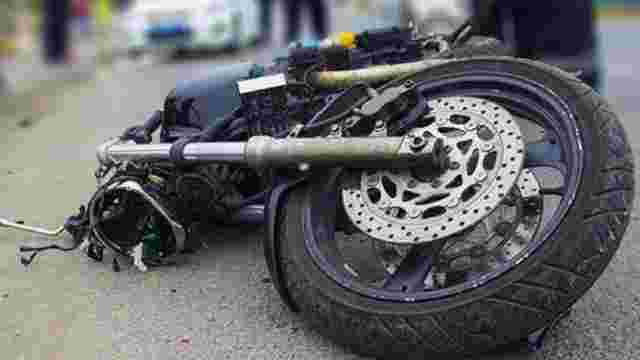 У Жовкві внаслідок зіткнення з електроопорою загинув неповнолітній мотоцикліст