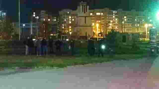 У Львові очевидець ножового поранення пасажира трамвая затримав підозрюваного