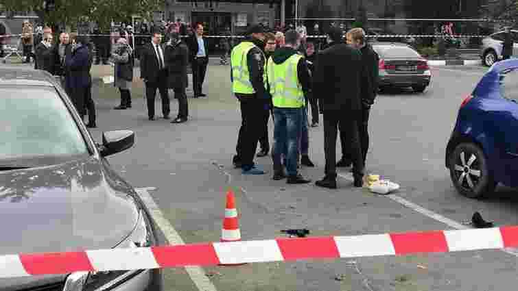 Біля супермаркету в Харкові стрілянина: один чоловік загинув, а нападник скоїв самогубство