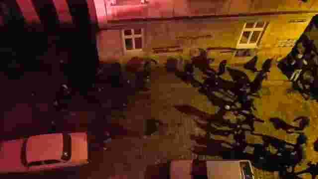 Вночі у центрі Львова виникла масова бійка футбольних фанатів