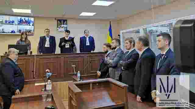 Один адвокат Дубневича заявив про сплату застави, інший попросив допомогти йому грішми