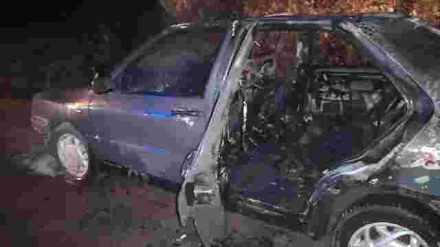 У Яворівському районі згоріли два автомобілі