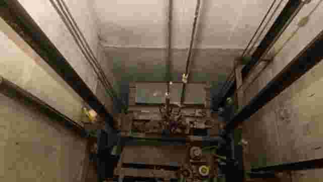 Із другого поверху львівської новобудови в шахту ліфта впав 48-річний чоловік