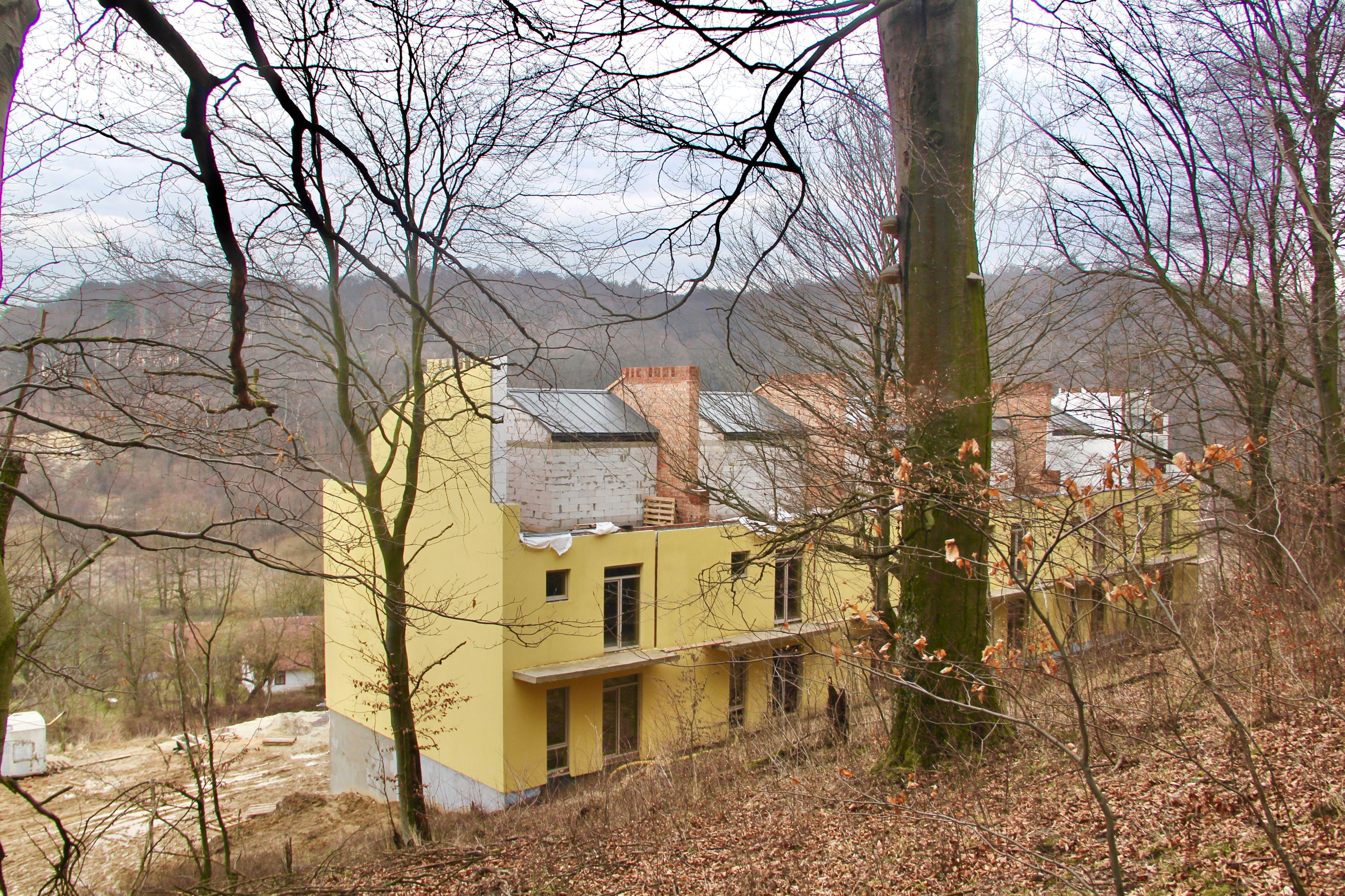 Котеджне містечко «Королева Гора» у селі Бірки