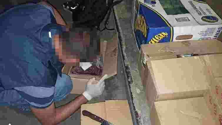 Працівник військового шпиталю на Донбасі торгував харчами, призначеними для пацієнтів
