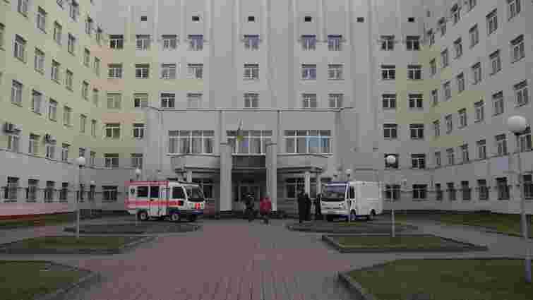 Львівські онкохірурги успішно прооперували пацієнта з рідкісною пухлиною