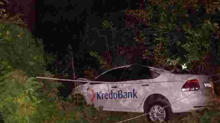 У Винниках менеджер банку на службовому автомобілі збив електроопору