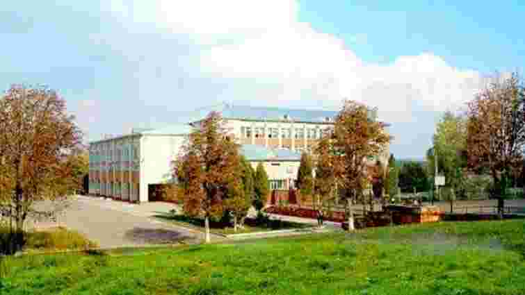 Через коронавірус ще один львівський ліцей частково закрили на карантин