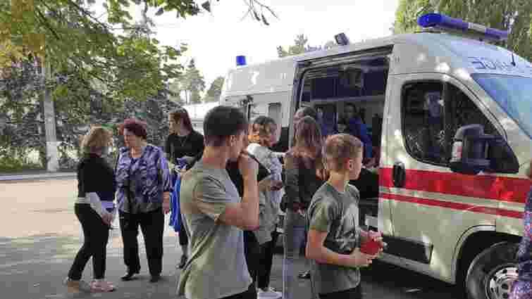 Трьох людей госпіталізували після сутичок з поліцією біля коледжу в Києві