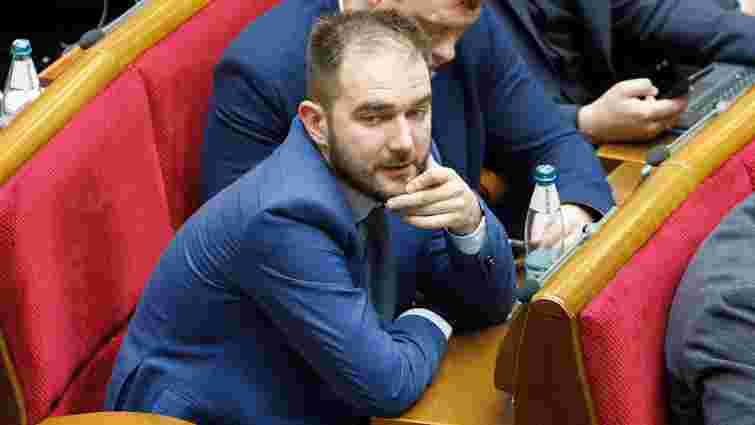 Підозрюваний у хабарництві депутат Олександр Юрченко відмовився скласти мандат