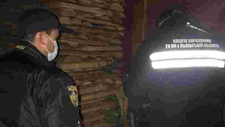 У Великій Волосянці знайшли вбитими 36-річну жінку і двох її дітей