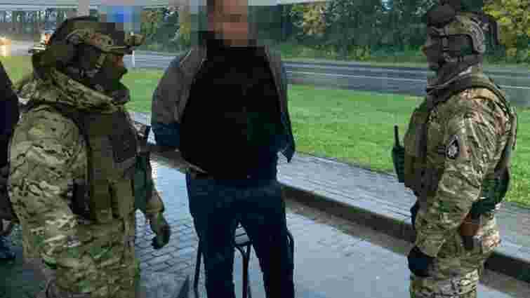 Поліція затримала львівських рекетирів за вимагання данини у перевізників