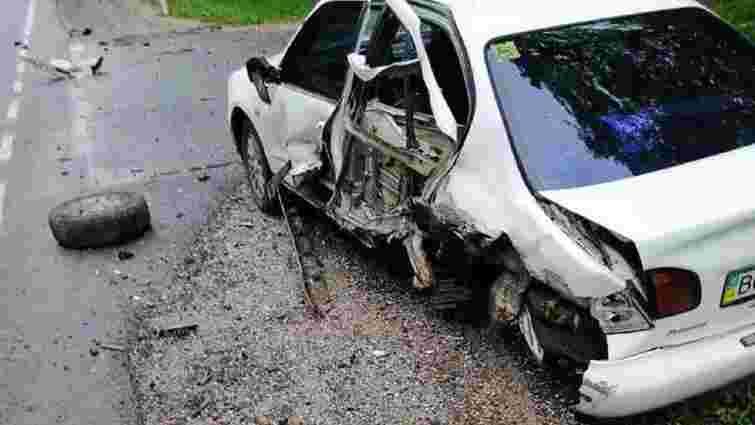 Поліцейські затримали водія, який протаранив припарковане авто неподалік Львова