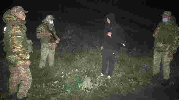 На кордоні затримали рецидивіста, який втік з-під домашнього арешту