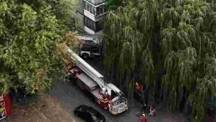 Двоє людей постраждали під час пожежі в багатоповерхівці у Львові