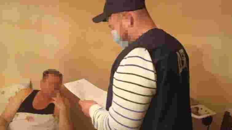 Працівника Галицької митниці підозрюють у систематичному хабарництві