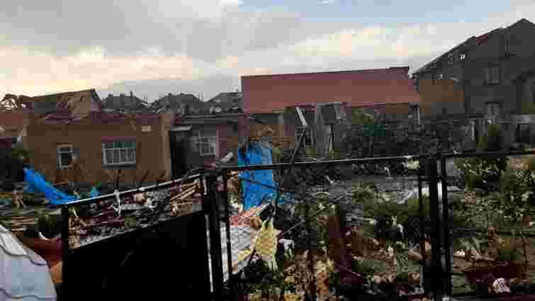 Смерч зірвав дахи і пошкодив стіни будинків у Кропивницькому