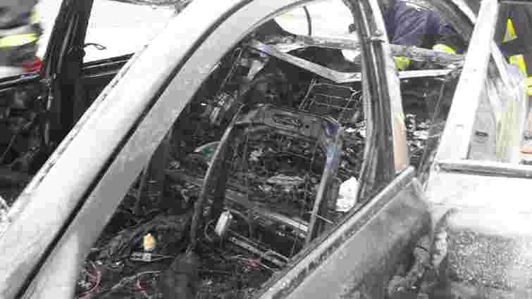 Поліція розслідує підпал автомобіля кандидата в мери Дрогобича