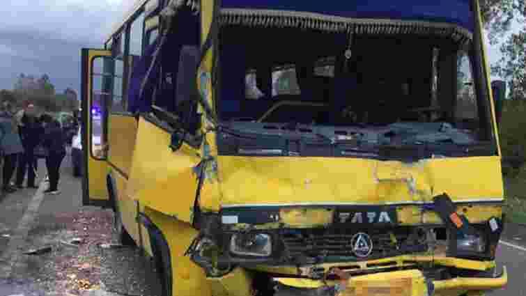 У ДТП з двома маршрутками на Львівщині постраждали семеро пасажирів