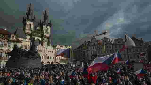 Чехія запровадила жорсткий карантин через поширення коронавірусу