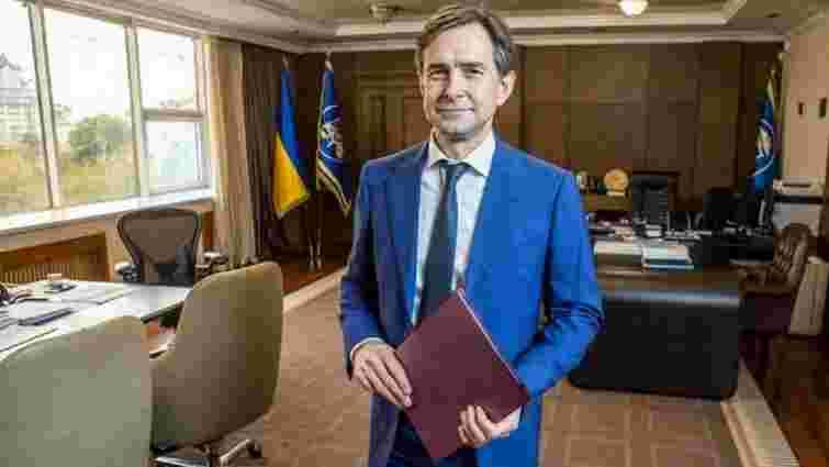 У податковій придумали, як закрити дірку в бюджеті України: під прицілом гроші заробітчан