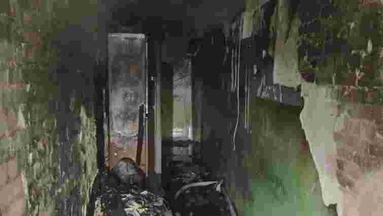 Двоє немовлят отруїлися димом під час пожежі в багатоповерхівці у Львові