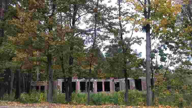 Частину парку в Брюховичах продали за 845 доларів за «сотку»