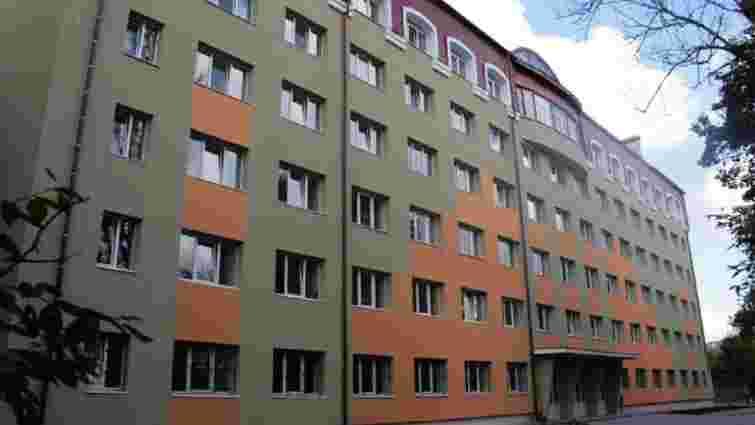 З шостого поверху гуртожитку львівської консерваторії випав 21-річний студент