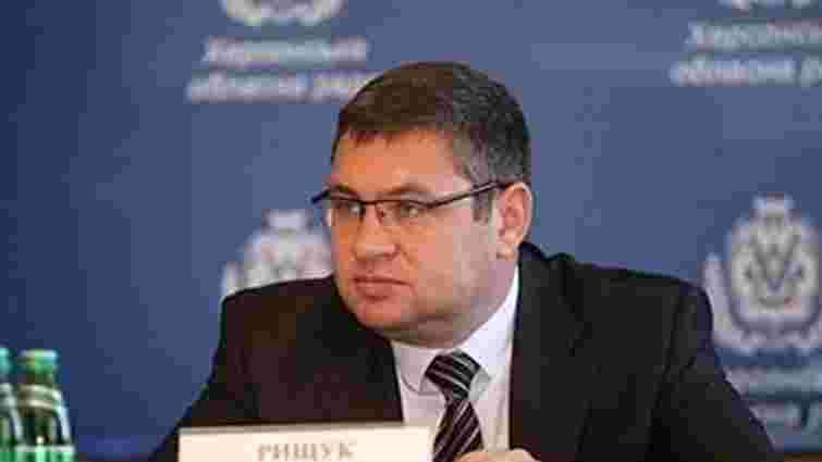 Причетний до нападу на Гандзюк лідирує на виборах в Херсонській області
