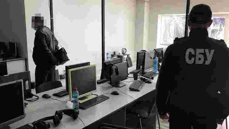 Два «call-центри» у Вінниці щодня виманювали у клієнтів банків 20 тис. доларів