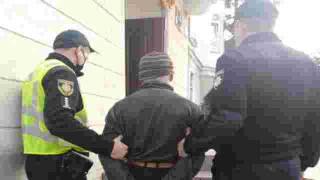 Поліцейські на Львівщині за півгодини затримали причетного до вбивства чоловіка