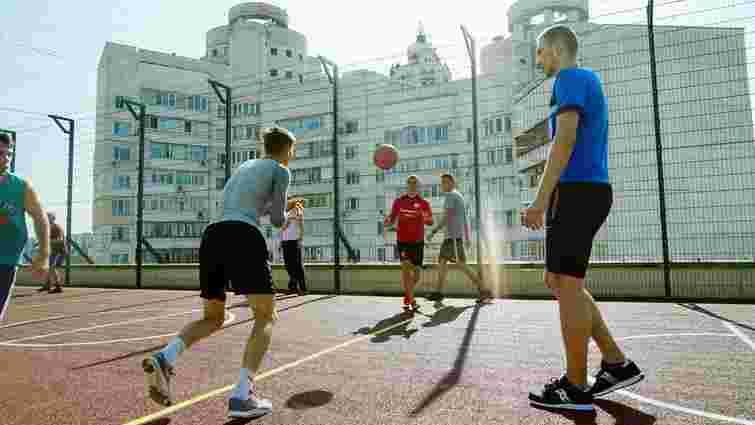 На даху київського університету облаштували спортивний майданчик