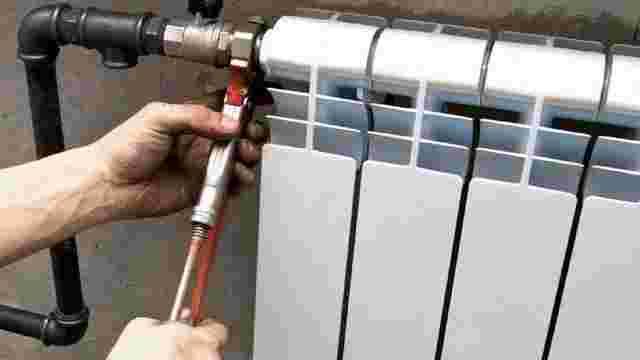 Окупаційна влада закликала кримчан не використовувати воду з батарей