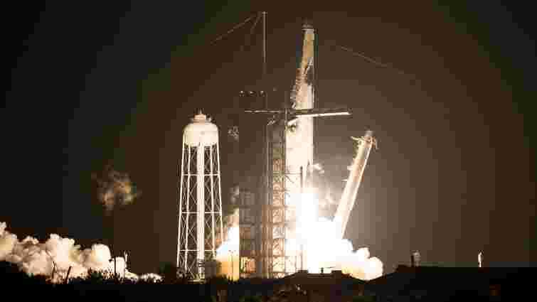 SpaceX запустила перший комерційний політ Crew Dragon