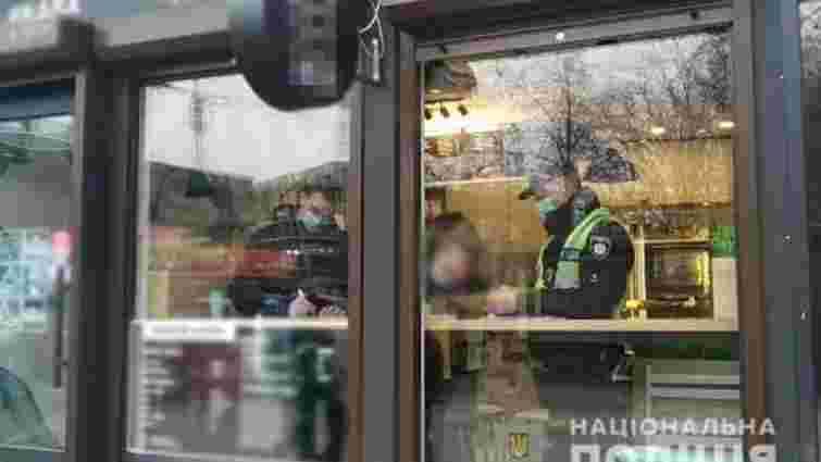 У перший день дії закону поліція не штрафувала за відсутність маски