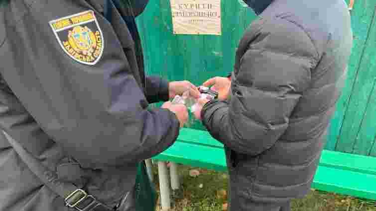 Львівська поліція попередила спробу залити бюлетені зеленкою