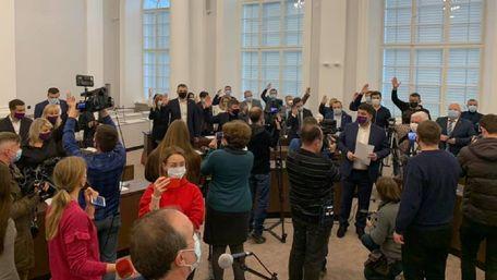 Частина депутатів обрали президію для управління Львовом без Садового
