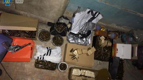 У будівлі президії НААН знайшли зброю, боєприпаси і вибухівку