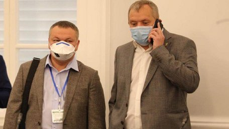 Ініціатори рейдерства Львівської міськради виявились заслуженими юристами