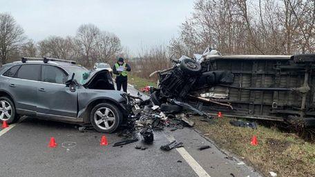 Троє людей загинули у лобовому зіткненні автомобілів біля Радехова
