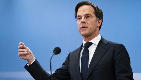 Уряд Нідерландів пішов у відставку через скандал з виплатами на дітей