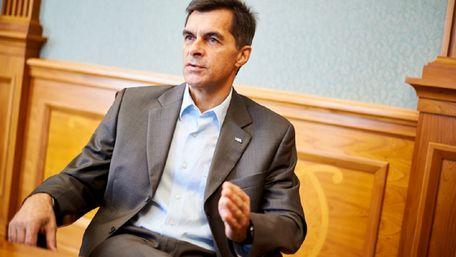 Голова «Укрзалізниці» отримує щомісяця 625 тис. грн зарплати
