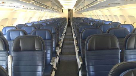 У 2020 році пасажирські авіаперевезення в світі впали на 60%