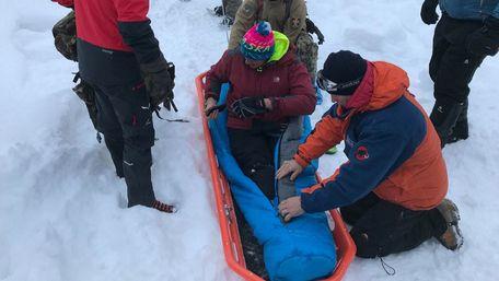 Знайденого у горах Румунії 25-річного львів'янина рятують від обмороження