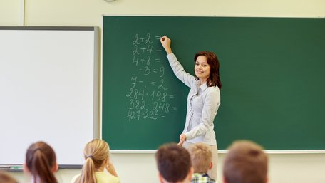 Кабмін затвердив підвищення зарплат для вчителів