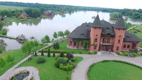 Популярну базу відпочинку на Львівщині підозрюють у привласненні землі